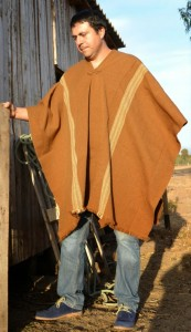 poncho alpaca con rayas